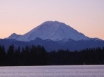 black-diamond-view-of-mt-rainier-from-lake-sawyer