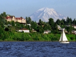 des-moines-mt-rainier-over-neighborhood