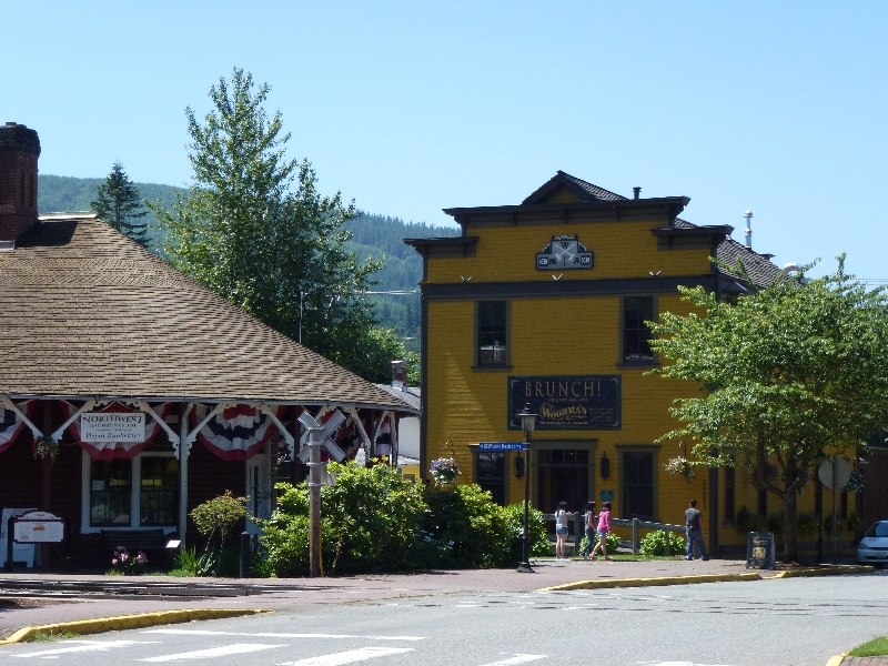 the-woodman-lodge-a-historic-landmark-and-the-snoqualmie-depot